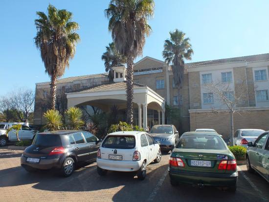 Holiday Inn Johannesburg Airport: Entree van het hotel