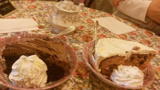 Simple Simon : Gâteau au chocolat et marron Gâteau a la praline et crème pâtissière à la vanille bourbon