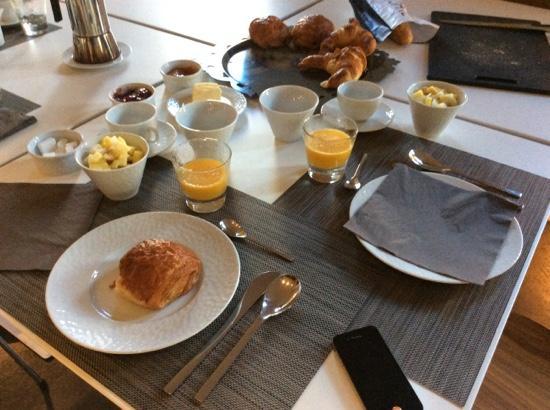 Les 4 Etoiles: petit dejeuner