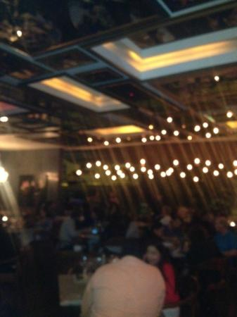 Lucia Restaurante: Another shot of the restaurant from the bar