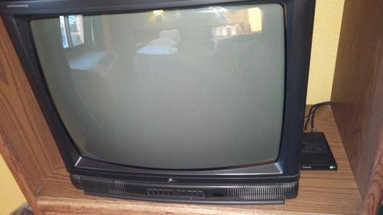 Days Inn ST. Paul-Minneapolis-Midway: Really old television