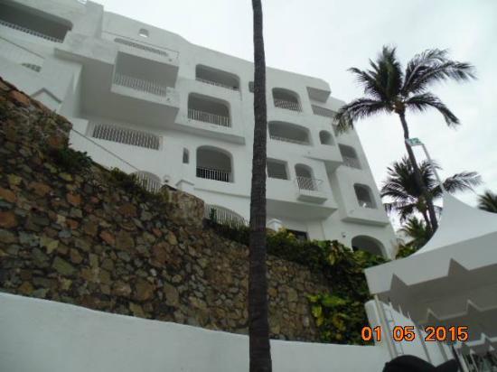 Las Hadas By Brisas: Building rooms on th e resort