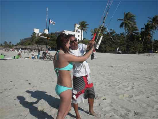 Cuba Kiters: try to fly