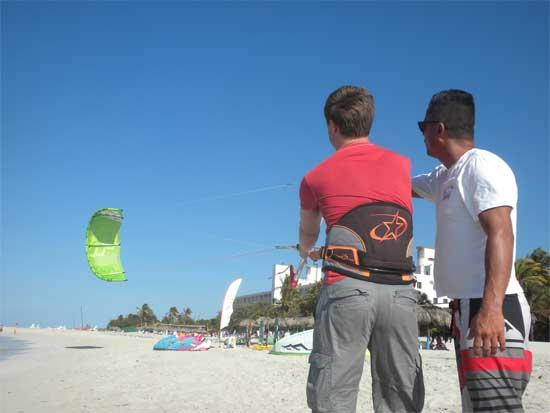 Cuba Kiters: Control Kite