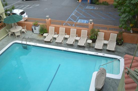 Hotel Solaire Los Angeles: Piscina