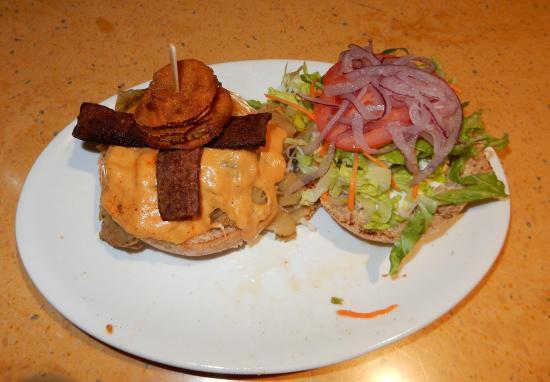 Native Foods : Oklahoma Bacon Cheeseburger
