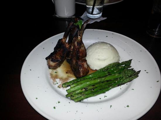 Stonewood Grill & Tavern: Grilled Rosemary & Garlic Lamb Chops. Delicious!!!!!