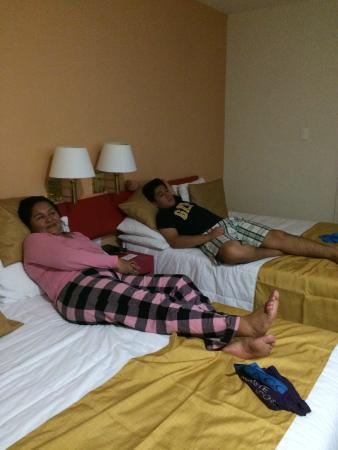 Mision Express Merida Altabrisa: HABITACION DEL HOTEL MUY COMODO