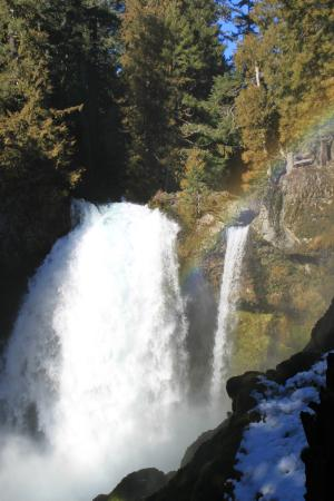 ซิสเตอร์ส, ออริกอน: Sahalie Falls