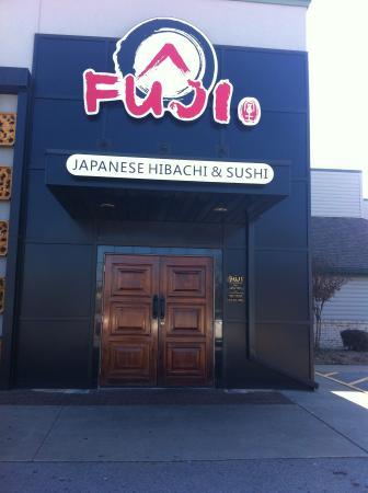 Fuji Japanese Steakhouse : outside