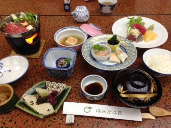 Daikanso : 夕食 これに天ぷらが付きます
