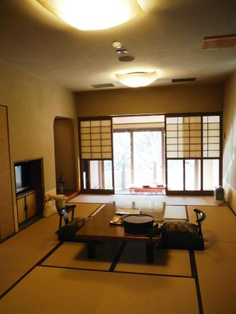 Kurokawaso : This is the cheapest room, and yet pretty cool and spacious.