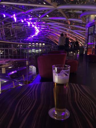Bar Mayday - Red Bull Hangar-7: Bier
