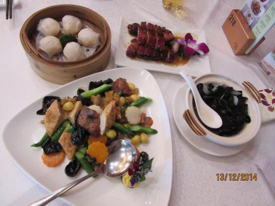 Jin Yue Xuan: アスパラと豆腐の炒め、蝦シュウマイ他