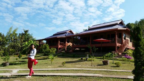 Ban Rai Tin Thai Ngarm Eco Lodge: Котеджи на 2 номера