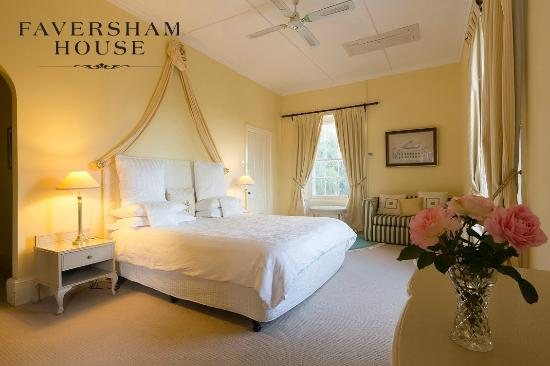 Faversham House York: Mt Brown, Premier verandah ensuite room