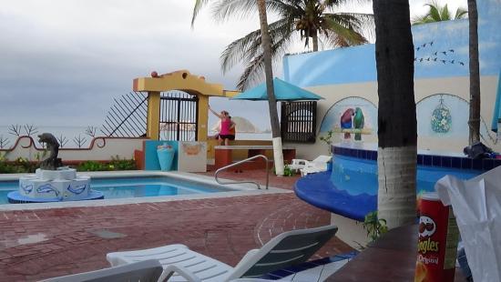 La Paloma Oceanfront Retreat: Pool area