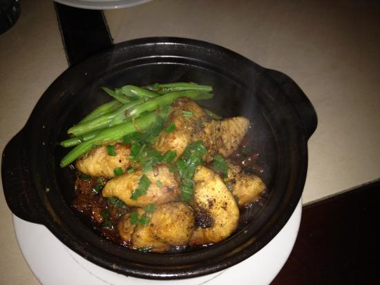 Rose dumplings picture of restaurant 328 hoi an for Clay pot fish