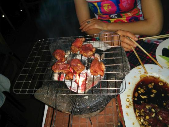 Luong Son (Bo Tung Xeo): BBQ at the table over hot coals