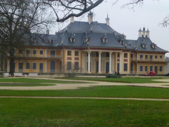 Pillnitz: frente do castelo