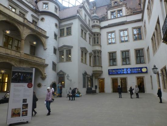 Dresden Municipal Gallery and Art Collection: desdren municipal gallery