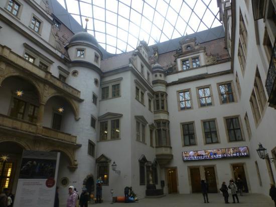 Dresden Municipal Gallery and Art Collection: desdrem municipal gallery
