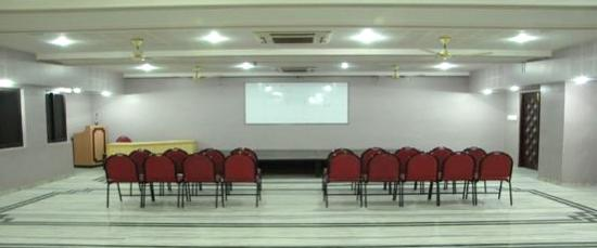 Hotel Empee : conference hall