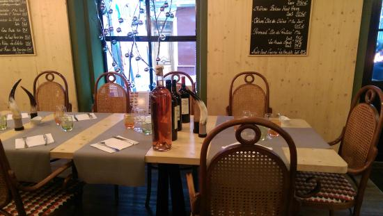 Le Flamboire: Our table