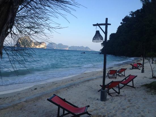 Koh Ngai Thanya Beach Resort: Thanya's beach