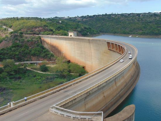 Pongola, Güney Afrika: Jozini Dam wall as an excursion