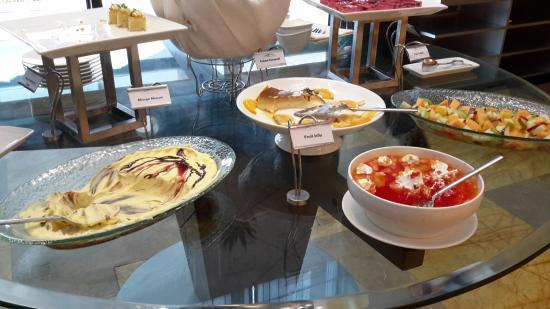 Raintree Hotel, Deira City Centre: dessert