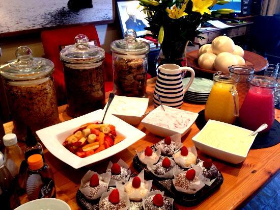 Khayamanzi Guesthouse: Breakfast