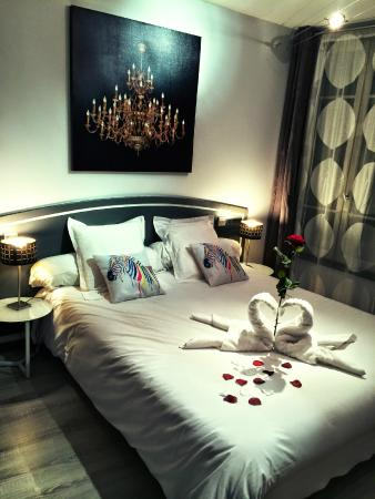 vue de la chambre d co saint valentin photo de h tel le miredames castres tripadvisor. Black Bedroom Furniture Sets. Home Design Ideas
