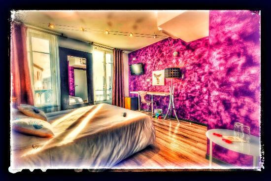 Hôtel Le Miredames : vue de la chambre