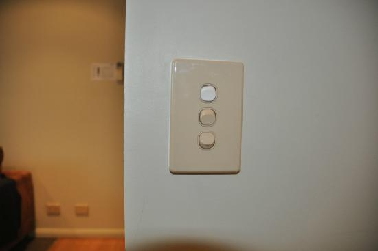 Mantra One Sandy Bay Road: Stiff and clunky light switches