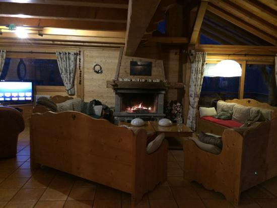 AliKats Mountain Holidays - Ferme a Jules : Living room
