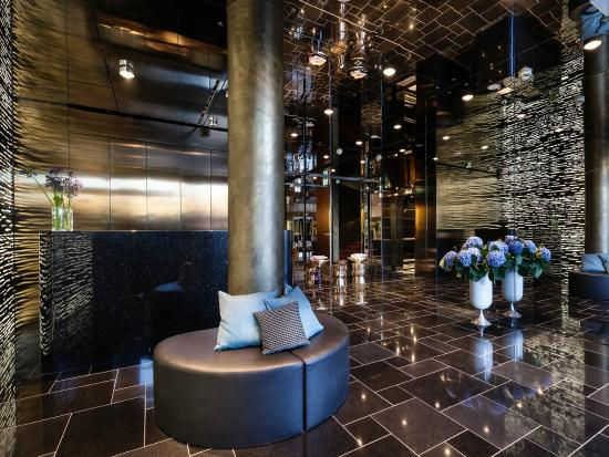 lobby picture of derag livinghotel am viktualienmarkt. Black Bedroom Furniture Sets. Home Design Ideas
