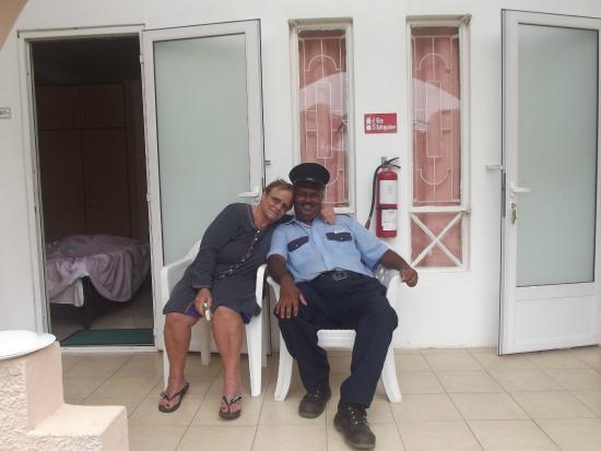 Casa Florida Hotel: Kriss prend soin de tout le monde