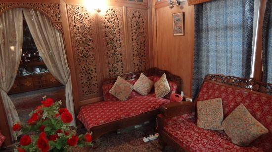 The Shelter Group of Houseboats: sitting