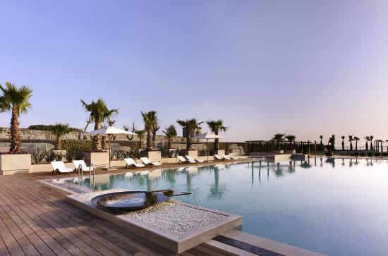 istanbul hyatt regency pool: