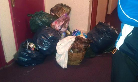 Résidence Club Odalys Le Rond Point des Pistes : Welcome trash on hallway