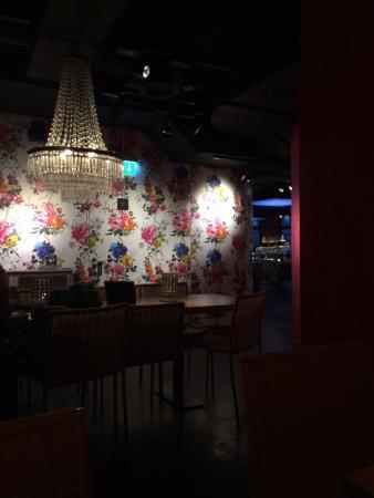 tibits: Зал в ресторане
