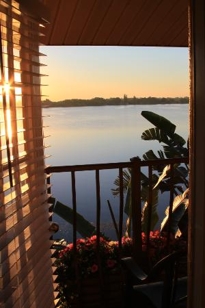 Sebring, فلوريدا: View of the lake from our balcony