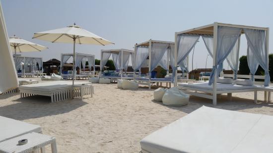 Staybridge Suites Abu Dhabi Yas Island: Yas Beach (Cabanas)