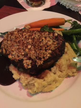 Fager's Island Restaurant & Bar : Smothered NY Strip