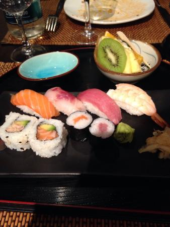 Yuan Restaurant: Menu sushi