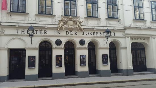 ‪Theater in der Josefstadt‬