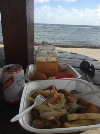 The Grape Tree Cafe: Fish, Beer, Hot Sauce, Sea and Sand