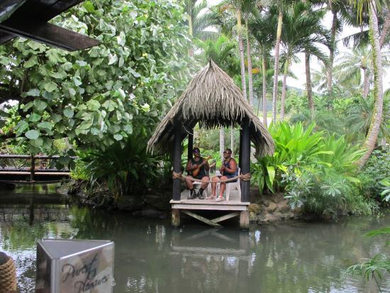 Sandals Restaurant & Barefoot Bar : Beach Hut Guys