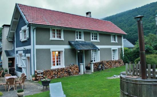 La Maison d'Hoursentut: El hotel y parte del jardín privado